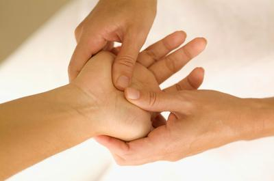 Pressing These Points on Your Palm May Help You Alleviate ...