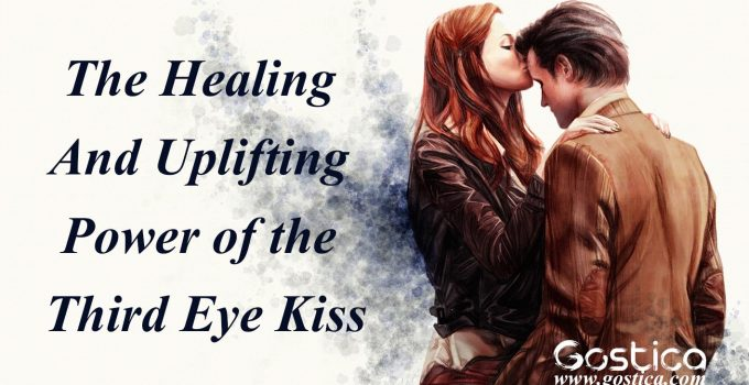 The-Healing-And-Uplifting-Power-of-the-Third-Eye-Kiss.jpg