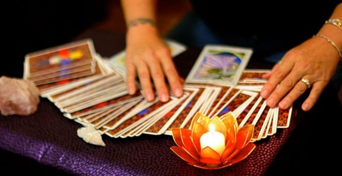 4 Reasons why You should get a Tarot Reading