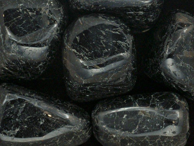 crystals, nuummite